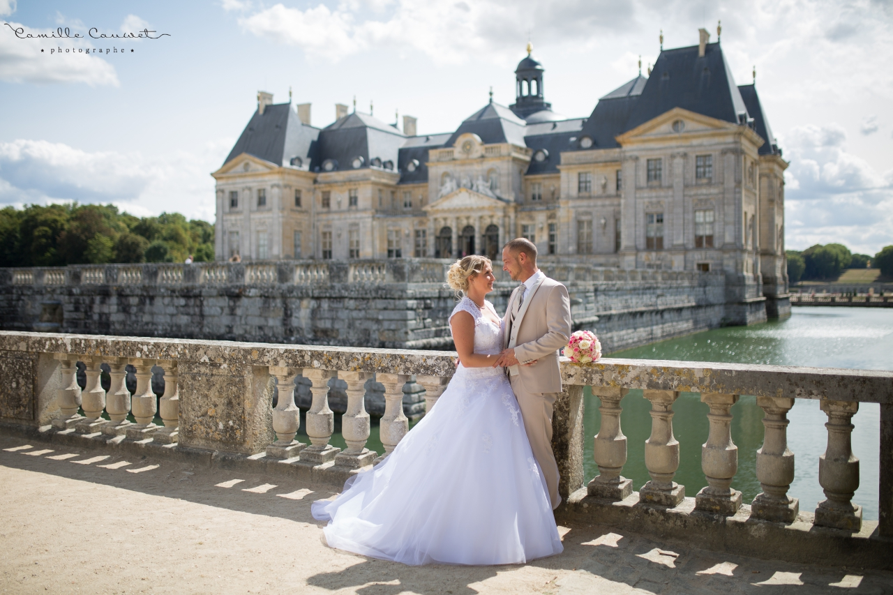 photo couple mariés chateau vaux le vicomte 77
