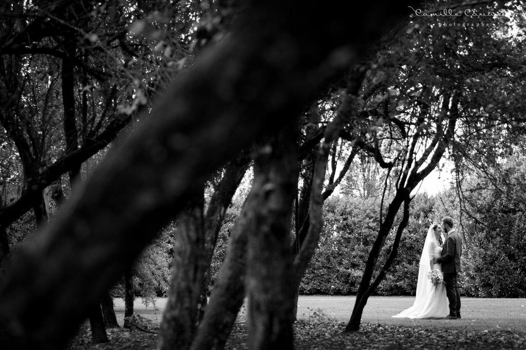 mariés parc 77 noir et blanc