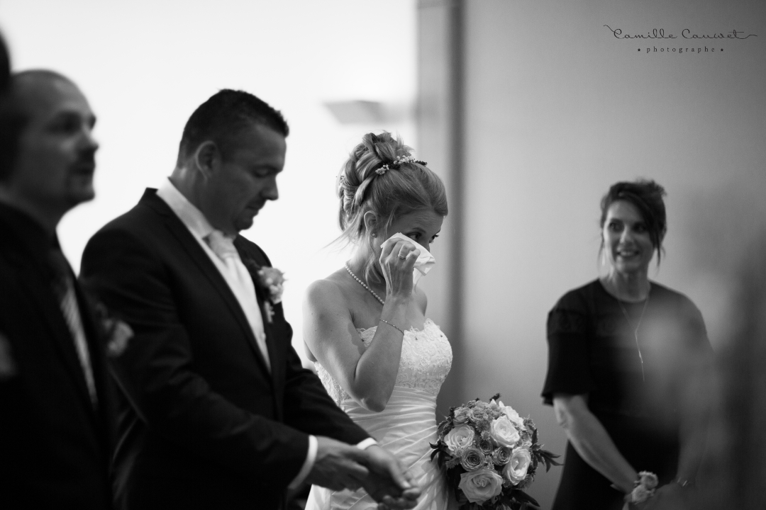 cérémonie mairie mariés larmes noir et blanc