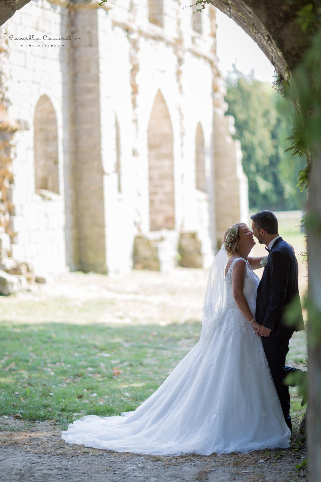 couple mariés ruines château