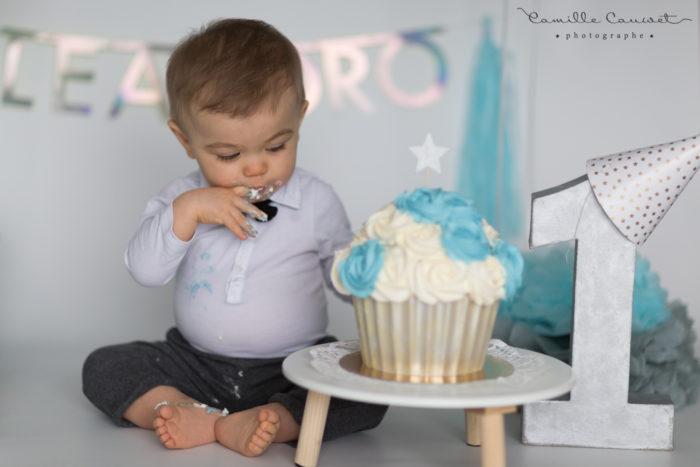 bébé gateau anniversaire
