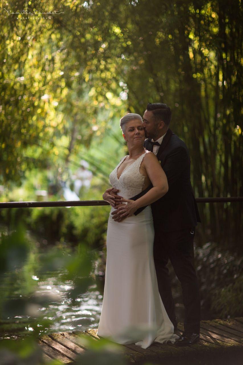 couple mariés pont